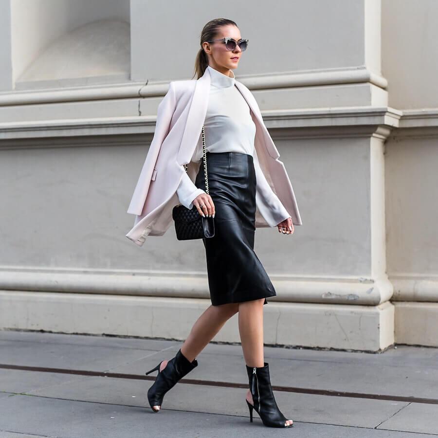 3 идеи с чем носить кожаную юбку
