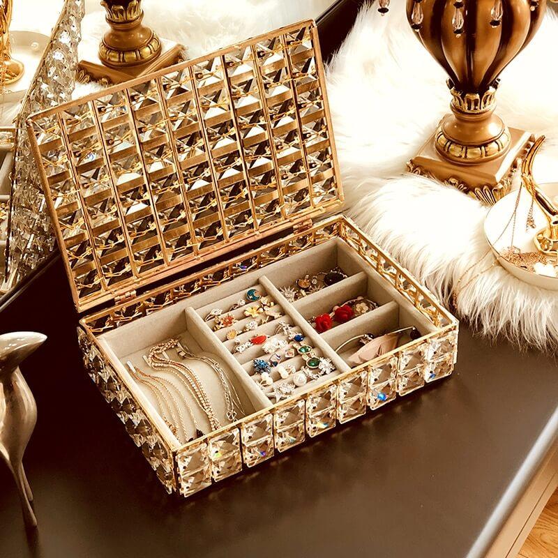 Ящики и лотки с разделителями - идеи для хранения украшений