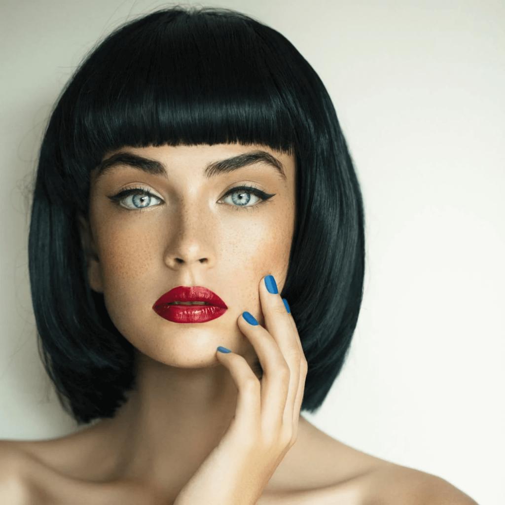 6 модных женских стрижек на волосы средней длины.3