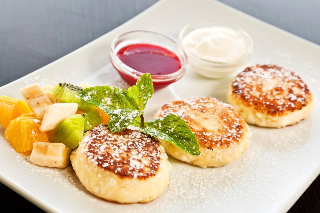 Нежные сырники из творога на завтрак.7