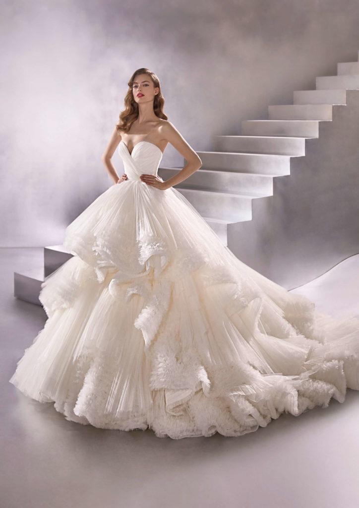 Свадебные платья – модные тренды сезона.8