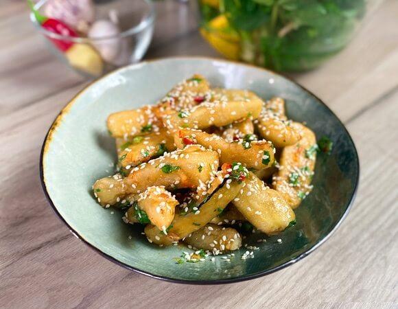 Хрустящие баклажаны по-китайски с пикантным соусом.