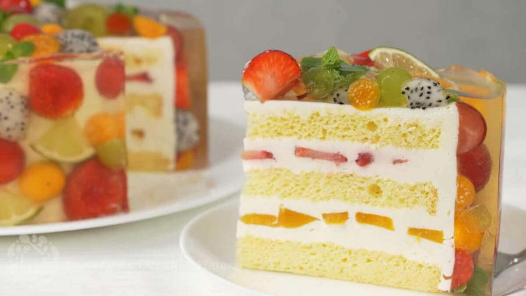 Необыкновенно красивый торт с фруктами в желе.2
