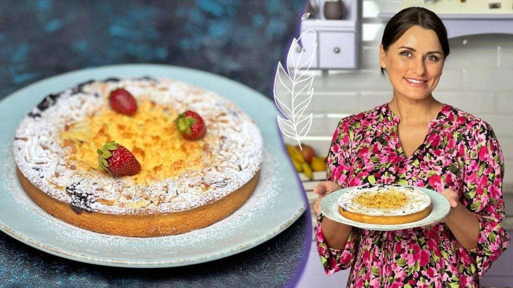 Знаменитый тертый пирог с ягодами.