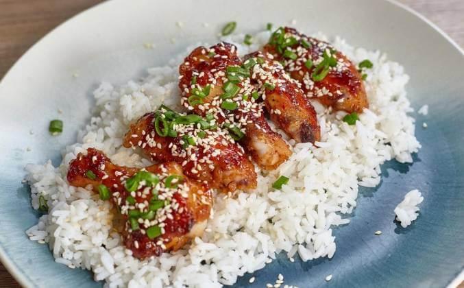 Крылышки в остро-сладком соусе по-корейски.